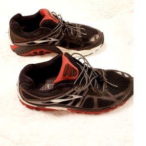 Brooks Beast Mogo Mens Running Shoes Size 9